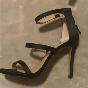 EXPRESS satin smooth heels size 6 used not new